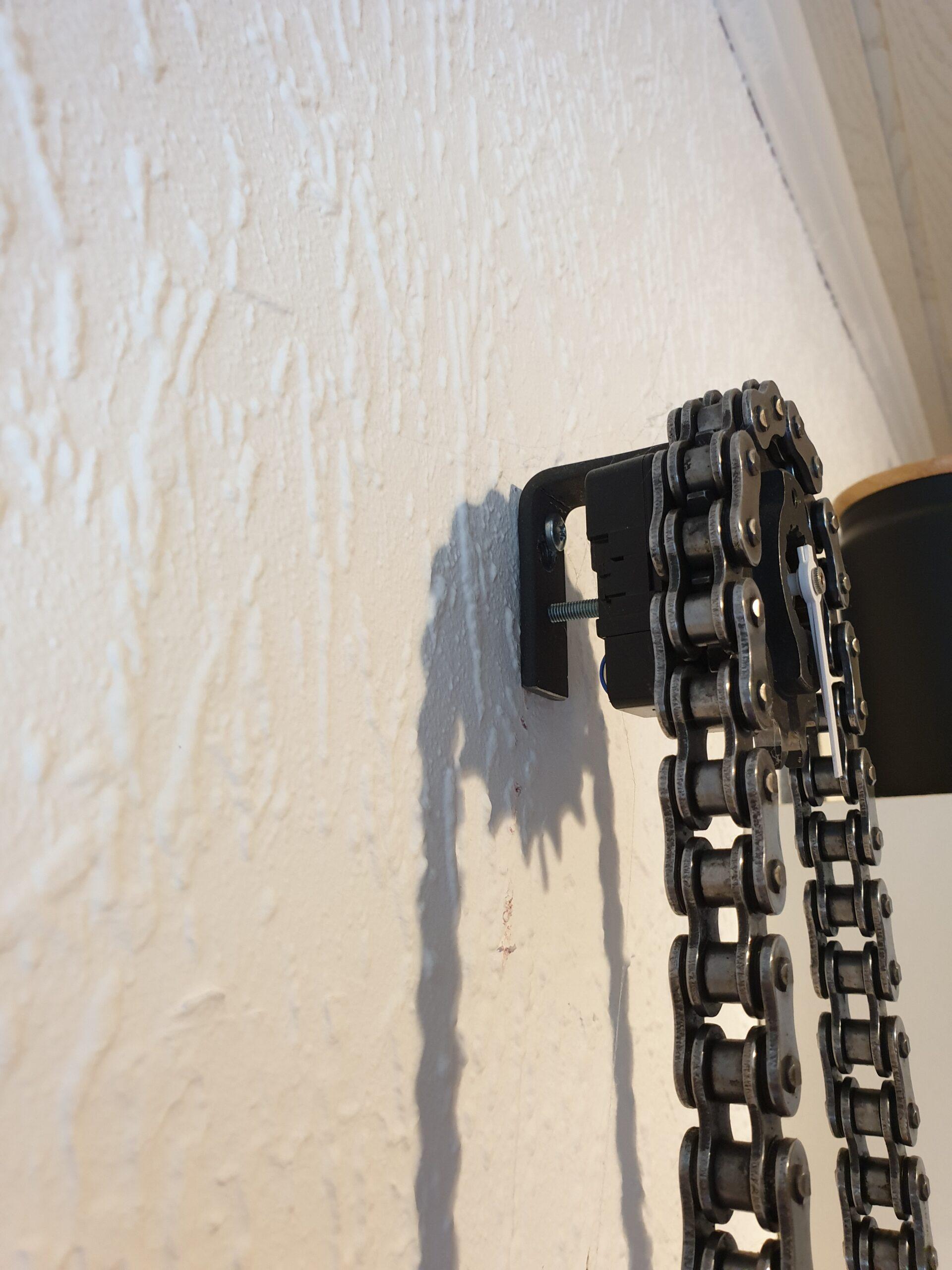 Uhren aus Motorrad-Teilen