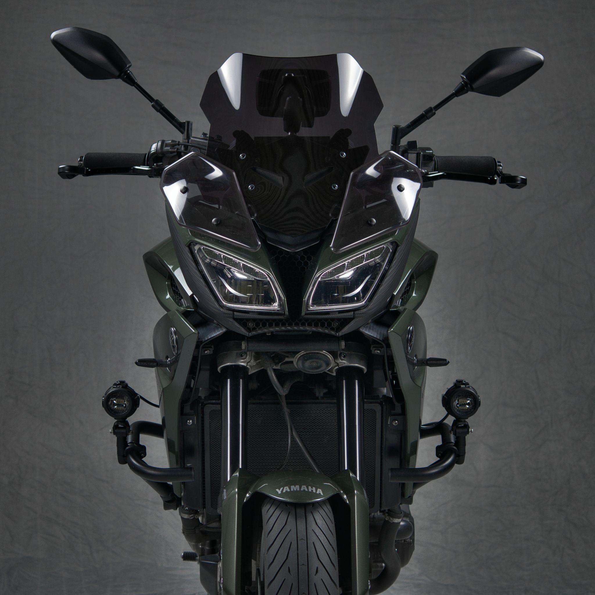 Studiofoto einer Yamaha MT-09 Tracer (Frontal)